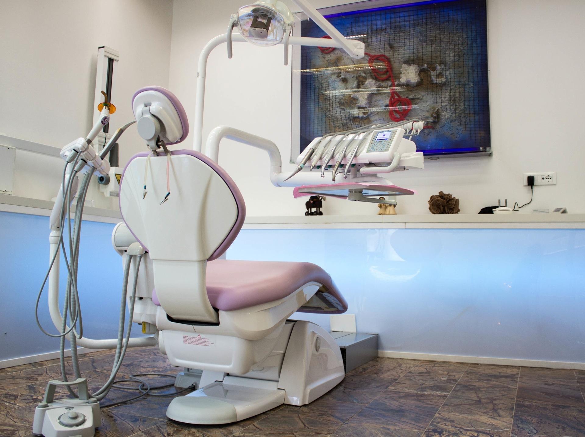 I servizi dello studio dentistico Athesis nella sede di Villa Carrer a Porto Viro